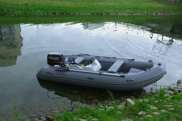 Надувная лодка Адмирал RIB 380